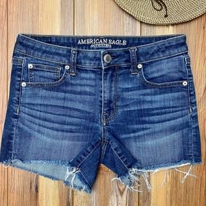 AMERICAN EAGLE Shortie Shorts Size 8